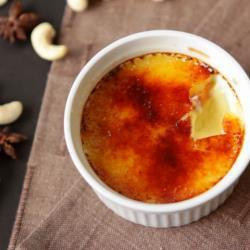 Crème brûlée van cashewnoot en steranijs recept