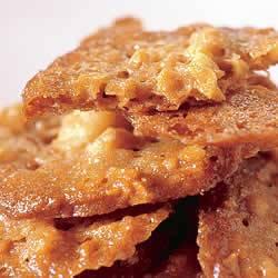 Kletskoptaartjes met advocaat-mascarpone en aardbeien recept ...