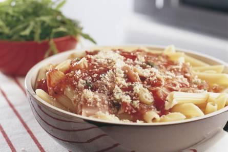 Pasta met pittige tomatensaus