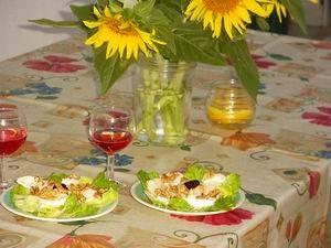 Salade met peren, geitenkaas en walnoten recept