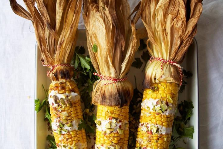 Geroosterde maïs op mexicaanse wijze