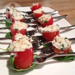 Gevulde tomaatjes met geitenkaas recept