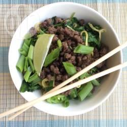 Noedels met groenten en gehakt recept