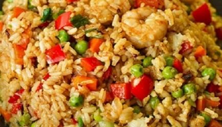 Chinees gebakken rijst met garnalen heerlijke nasi recept ...