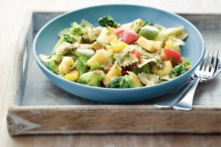 Pasta pesto met paprika en broccoli