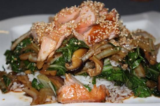 Geglaceerde zalm met paksoi en shiitakes recept