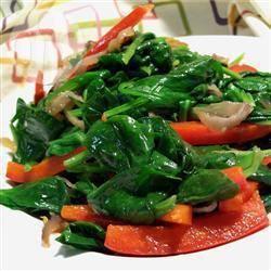 Roergebakken spinazie en paprika recept