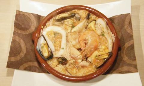 Portugese paella ('arroz de marisco')
