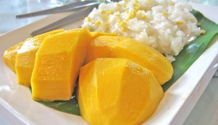 Mango met plakrijst  khao neow mamuang recept