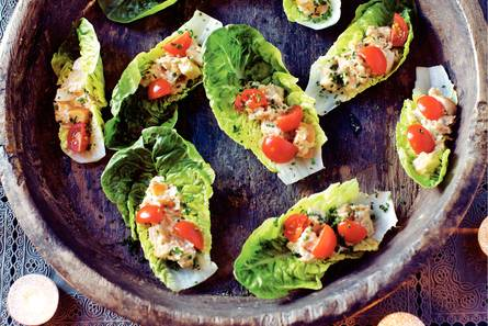 Rappe caesar salad met tonijn-mayosaus