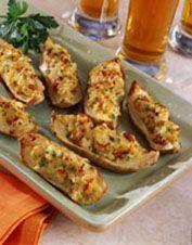 Cheesy potato skins with sun-dried tomatoes recept