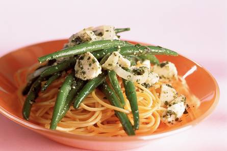 Pesto-pasta met sperziebonen