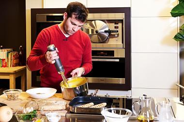 Recept 'aardappelpuree met een eitje en handgepelde grijze ...