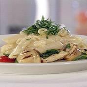 Kaaspasta met gegrilde kip en groenten recept