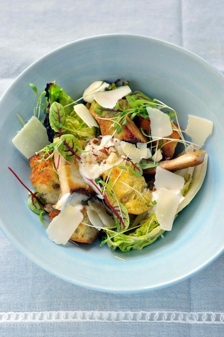 Recept 'caesarsalade met gegrilde slaharten'