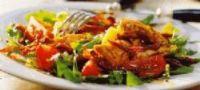 Lauwwarme salade van gemarineerde rosbief met groenten ...