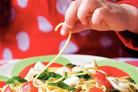 Spaghetti met tomaat en mozzarella