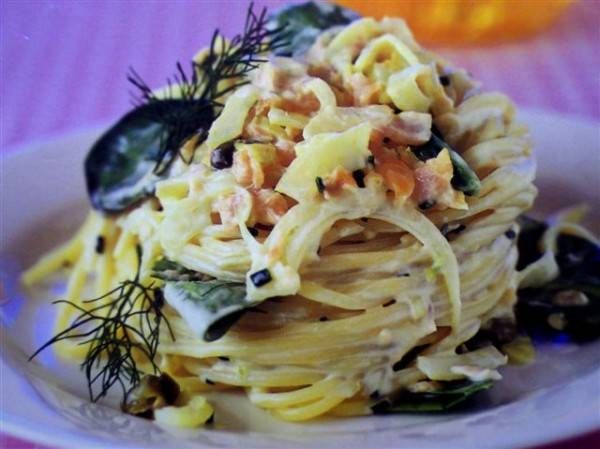 Romige spaghetti met gerookte zalm recept