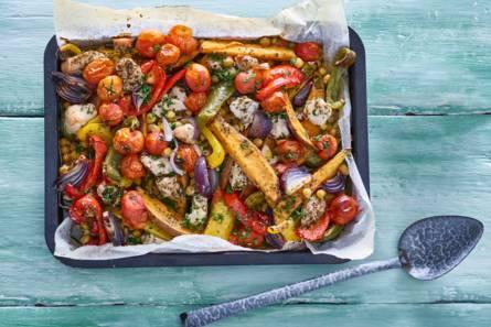 Ovengroente met zoete aardappel en kip