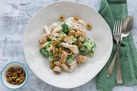 Pasta met broccoli en kip
