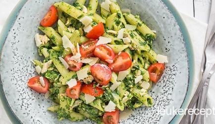 Romige pasta met zalm en spinazie recept