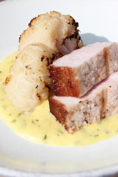 Recept 'varkensrug duke of berkshire met gegrilde bloemkool en ...