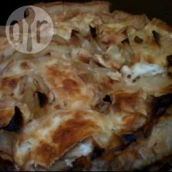 Hartige taart met ui en brie recept