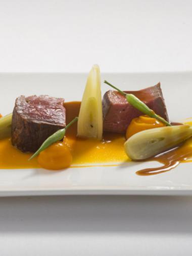 Recept 'rundsfilet met truffelsaus en zalf van pompoen'