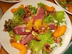 Salade met gerookte eendenborst, nectarine en sinaasappel ...