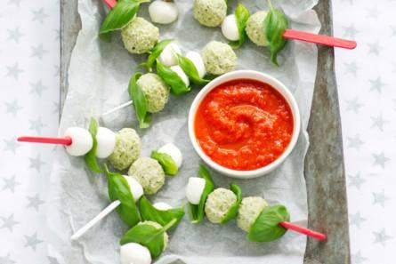 Kerstballetjes met tomatensaus