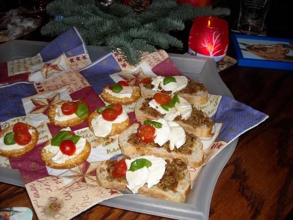 Shuttles met mozzarella, tomaat en basilicum recept