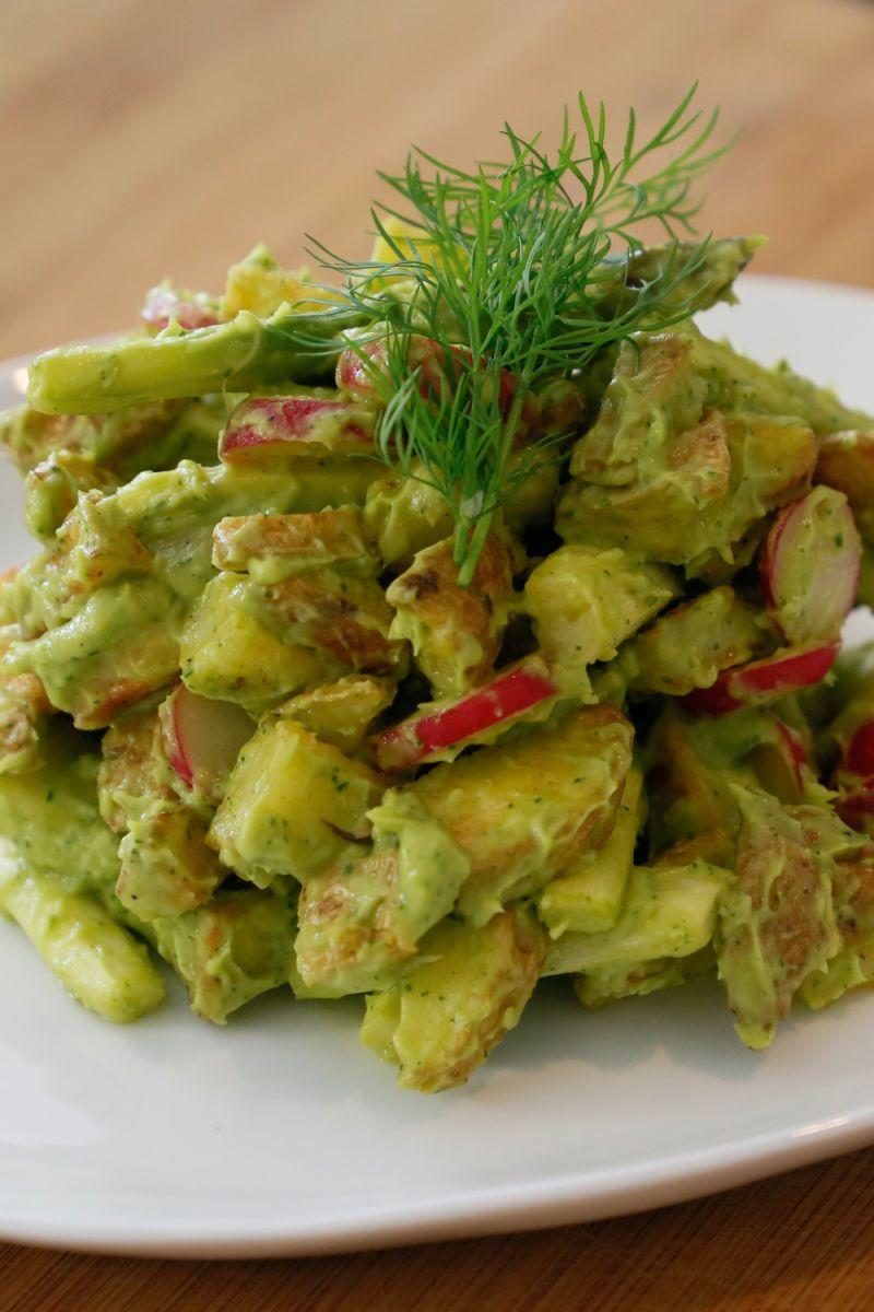 Recept 'aardappelsalade met groene asperges en avocado'