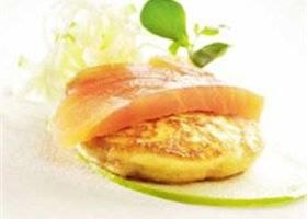 Aardappelblini`s met gerookte vis recept