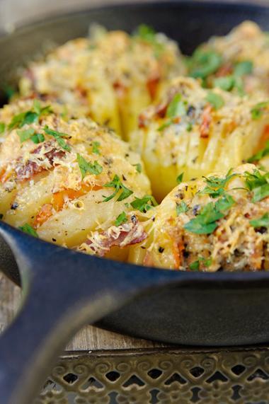 Recept 'gevulde hasselback aardappelen'