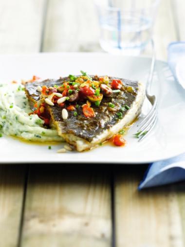 Recept 'op vel gebakken tarbot met salsa picada'