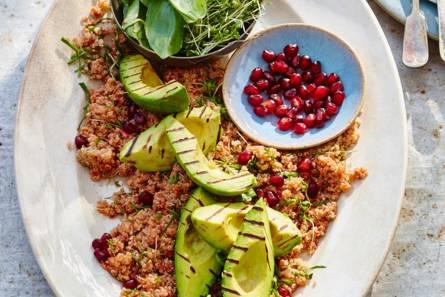 Quinoa met granaatappel & avocado