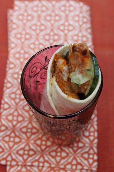 Recept 'wrap met kip tandoori en raita van komkommer'