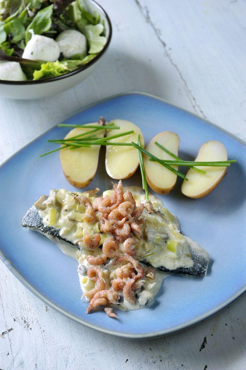 Recept 'zeebaars met preisaus en garnalen'