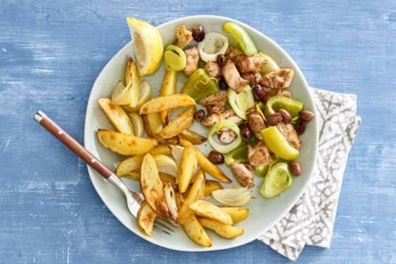Malse kip, groene groenten en aardappelpartjes