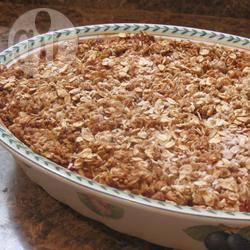 Suikerarme aardbeien-rabarbercrumble recept