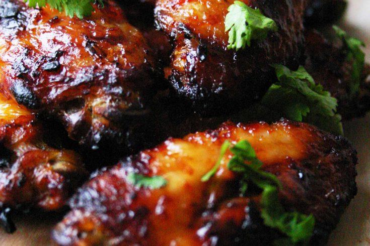 Easy kippenvleugels met harissa uit de oven