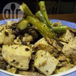 Roerbakgerecht met kip, asperges en champignon recept ...
