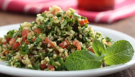 Bulgur met geroosterde groenten en köfte recept