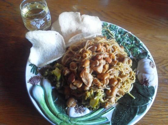 Thaise wokschotel met kip en broccoli recept