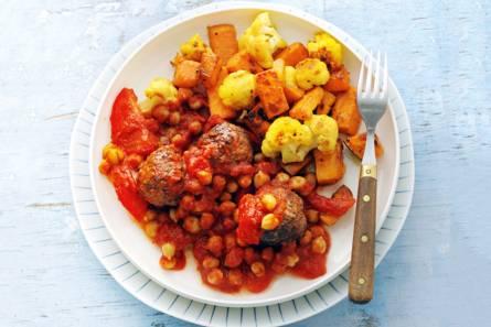 Ovengroente met gehaktballetjes in tomatensaus