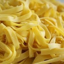 Snelle pasta met spinazie, spek en zongedroogde tomaten recept ...
