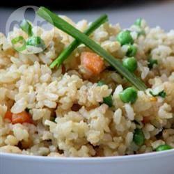 Gebakken rijst met groenten en ei recept