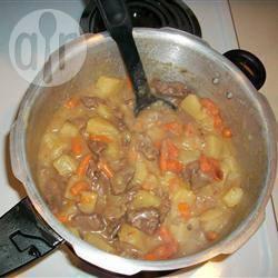 Stoofpotje met rundvlees uit de snelkookpan recept