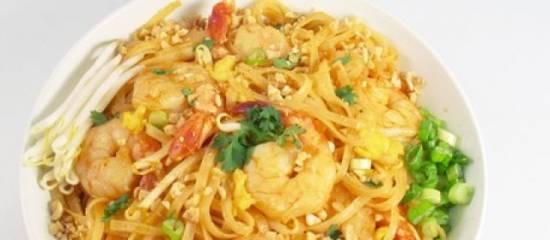 Pad thai noedels met garnalen recept