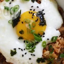 Bokkeumbap (gebakken rijst met kimchi) recept